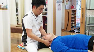 首の手技施術